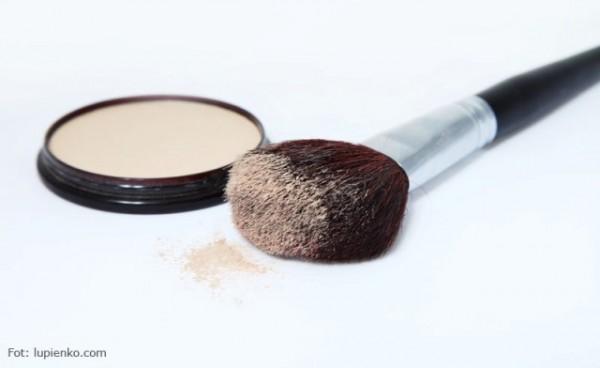 Puder jest elementem wykańczającym makijaż